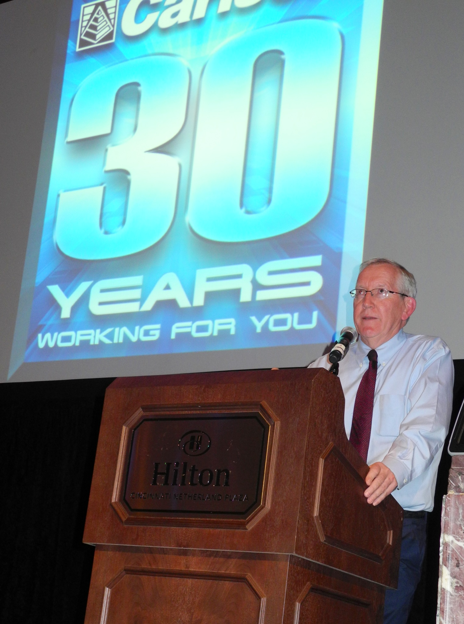 Bruce Carlson addresses the opening plenary at the Carlson 30th Anniversary User Conference.