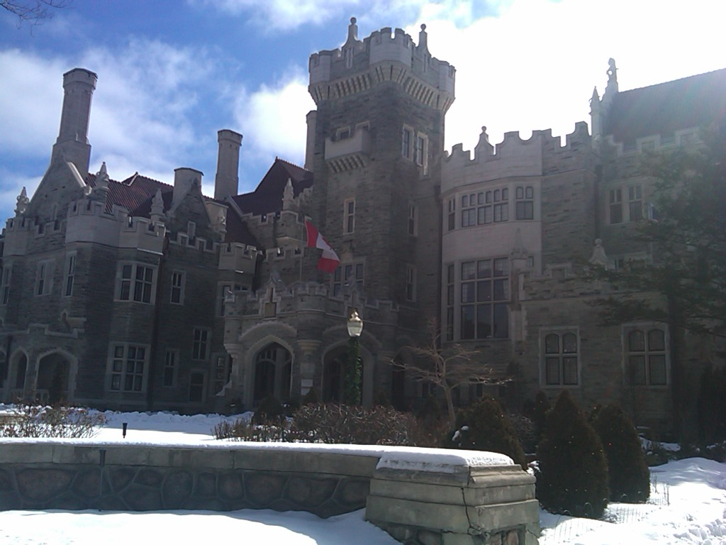 Beautiful Casa Loma, right in the heart of town